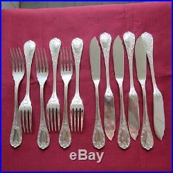 CHRISTOFLE 6 couteaux et 6 fourchettes à poisson en métal argenté modèle marly