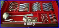 Christofle ménagère en métal argenté modèle Malmaison 144 pièces dans meuble