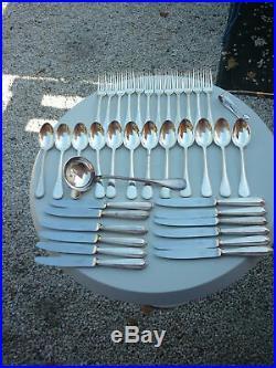 Ménagère CHRISTOFLE modèle perles en métal argenté, belle brillance 38 pîèces