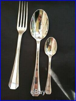 Ménagère Christofle 62 pièces métal argenté modèle'Boréal' style art deco
