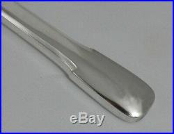 Orbrille, 12 couteaux de table modèle Uniplat, métal argenté