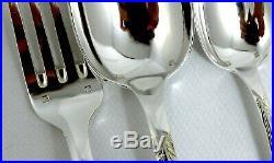 Orbrille ménagère 61 pièces métal argenté modèle Rubans Louis XVI, avec couteaux